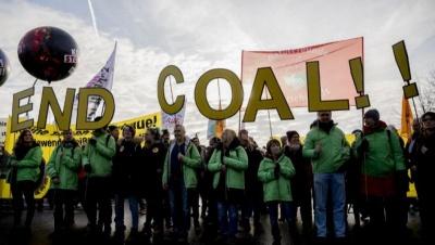 «Κίτρινα γιλέκα» και στο Βέλγιο -  Δεκάδες χιλιάδες διαδηλωτές στο κέντρο των Βρυξελλών