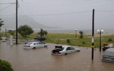 Πλημμύρισαν περιοχές στη Σιθωνία Χαλκιδικής από τις έντονες βροχοπτώσεις - Κινδύνευσαν δύο γυναίκες