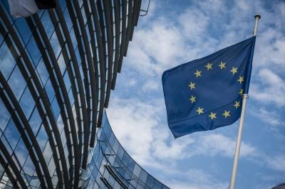 Κομισιόν: Παρατείνεται για 6 μήνες η ενισχυμένη εποπτεία για την Ελλάδα