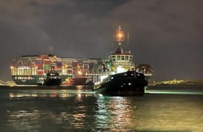 Διώρυγα Σουέζ: Νέα επιχείρηση αποκόλλησης του Ever Given με σύμμαχο την παλίρροια
