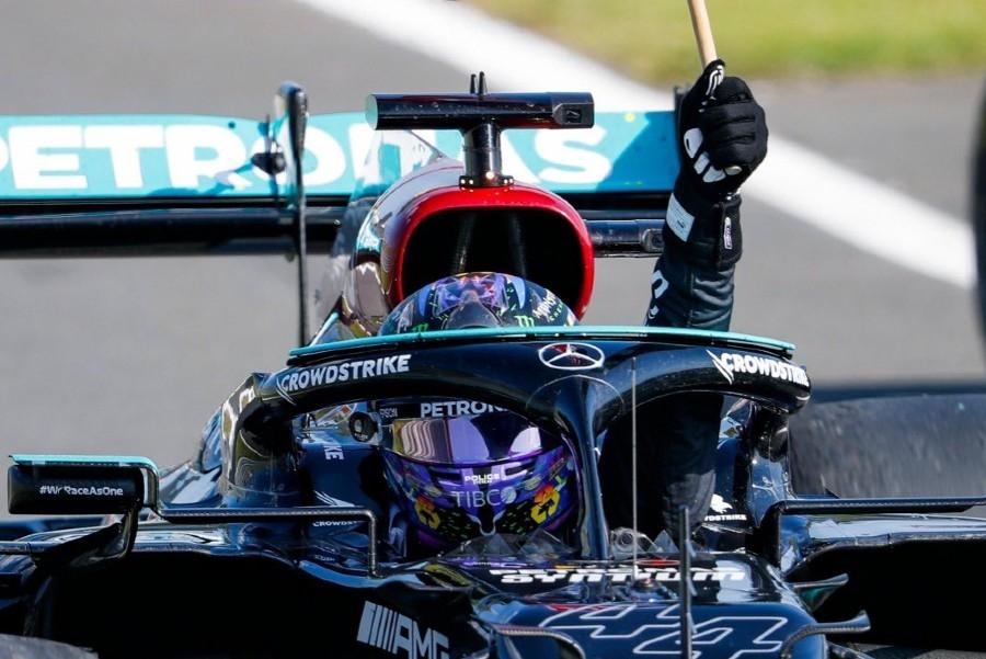 Mercedes για ρατσιστική επίθεση σε Χάμιλτον: «Δεν έχουν θέση τέτοια άτομα στο άθλημα»
