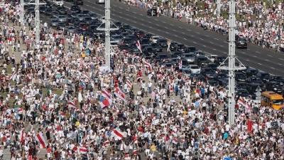 Λευκορωσία: Νέα ογκώδης κινητοποίηση κατά του Lukashenko με δεκάδες χιλιάδες διαδηλωτές