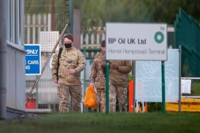 Βρετανία: Ο στρατός στη μάχη για τα καύσιμα - Δεν βλέπει κρίση λόγω Brexit η κυβέρνηση