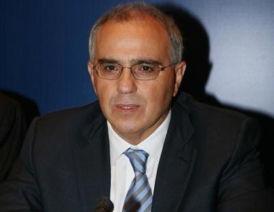 O Καραμούζης από τους πιο δημοφιλείς έλληνες τραπεζίτες σε δημοσκόπηση