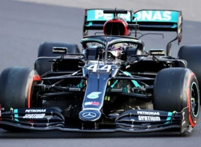 F1: Ο Lewis Hamilton στην pole position για να ξεπεράσει τον Michael Schumacher
