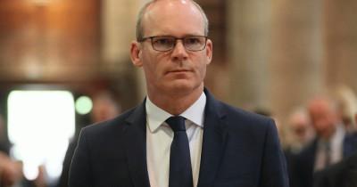 ΥΠΕΞ Ιρλανδίας: Η Βρετανία δυσκολεύει την επίτευξη εμπορικής συμφωνίας με την ΕΕ