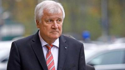 Seehofer (CSU): Θα προσπαθήσουμε να διατηρήσουμε σταθερό τον κυβερνητικό συνασπισμό