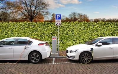 Σημεία φόρτισης ηλεκτρικών οχημάτων. Σε ποια θέση βρίσκεται η Ελλάδα;