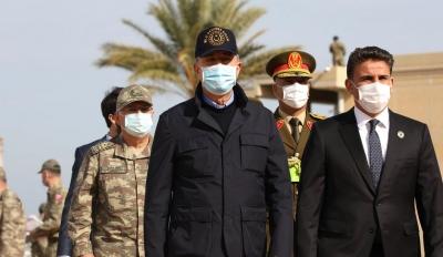 Akar: Η Τουρκία υποστηρίζει την επίτευξη πολιτικής λύσης στη Λιβύη