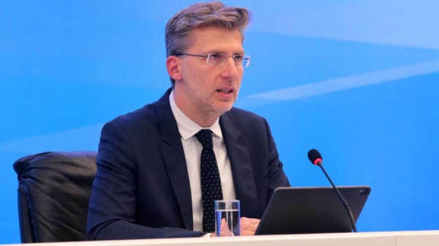 Σκέρτσος (Υφυπ. παρά τω πρωθυπουργώ): Πρόσκληση σε ιδιώτες να ρίξουν κεφάλαια σε επενδύσεις και κατανάλωση