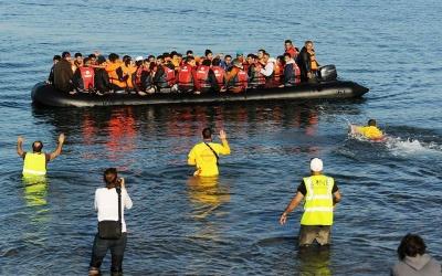 Γερμανικός Τύπος: Παράλογη και ακριβή ιδέα τα πλωτά φράγματα στο Αιγαίο