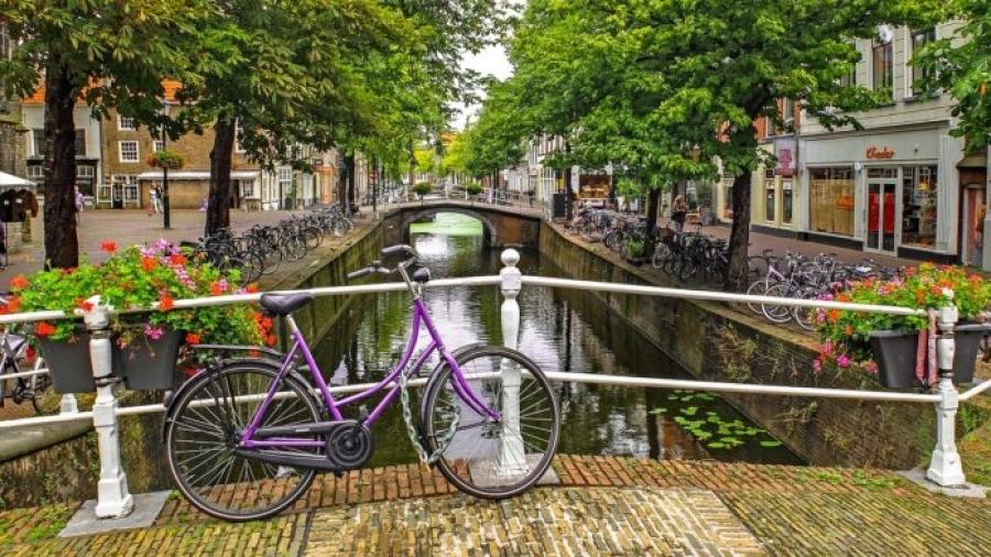 Οι Κάτω Χώρες καταργούν την καραντίνα από χώρες υψηλού κινδύνου