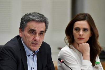 Αχτσιόγλου - Τσακαλώτος: Προϋπολογισμός ανεδαφικών προβλέψεων, προμηνύει νέα μνημόνια de jure ή de facto