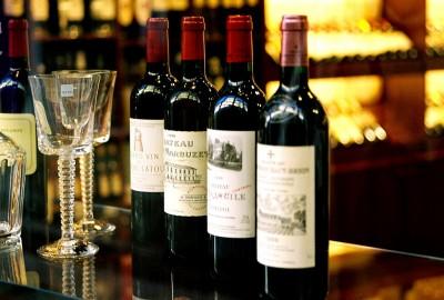 Γάλλοι εξαγωγείς οίνου: Στο 1 δισ. ευρώ το κόστος των επιπλέον δασμών από τις ΗΠΑ