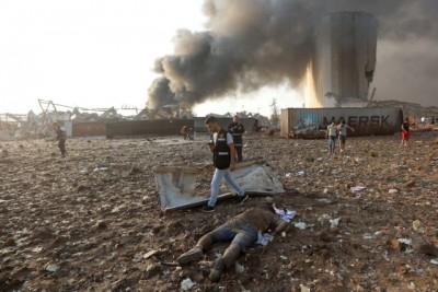 Δημοσιογράφος αποκαλύπτει ισραηλινή εμπλοκή στις εκρήξεις που ισοπέδωσαν τη Βηρυτό