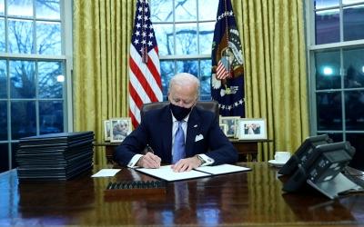HΠΑ: Νόμος του κράτους το πακέτο τόνωση 1,9 τρισ. δολ. - Το υπέγραψε ο Biden