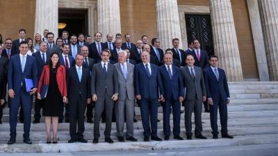 Συμμαχητές στην κυβέρνηση, «εχθροί» στις περιφέρειες – Ποιοι υπουργοί ετοιμάζονται να ζητήσουν την ψήφο μας