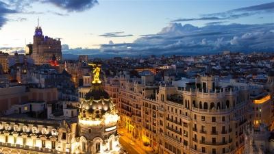 """Συνεχίζεται η """"καταιγίδα"""" στον ισπανικό τουρισμό και το 2021"""