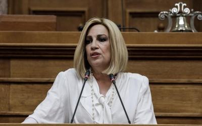 Γεννηματά: Όχι μόνο δεξιός αλλά και αδέξιος, αδύναμος πρωθυπουργός ο Μητσοτάκης