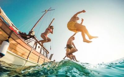 Γερμανικό δίκτυο RND: Το «μικρό θαύμα» που πέτυχε το ελληνικός τουρισμός το 2021 – Νικήτρια η Ελλάδα