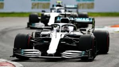 F1: Άνετη pole position για τον Lewis Hamilton στο Αμπού Ντάμπι