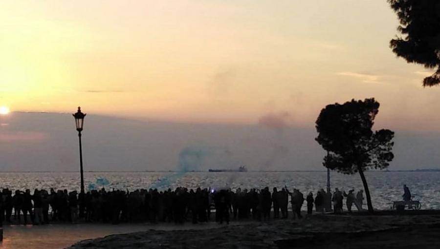 Θεσσαλονίκη: Διαδήλωση κατά του lockdown στον Λευκό Πύργο