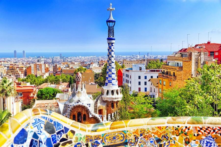 Ισπανία: Άνοιξαν μετά από πέντε εβδομάδες τα μπαρ κι εστιατόρια στη Βαρκελώνη