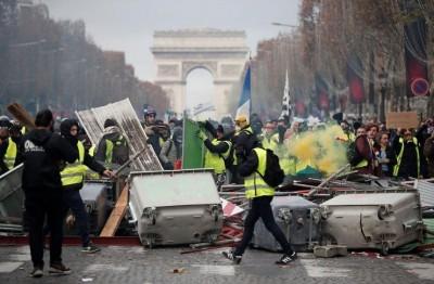 Γαλλία: Η αστυνομία απαγορεύει τις διαδηλώσεις των Κίτρινων Γιλέκων