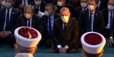 Δυναμιτίζει το κλίμα ο Erdogan - Εμφανίστηκε στην Αγία Σοφία για την καθιερωμένη προσευχή