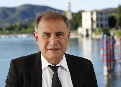 Roubini: Η πολιτική των κεντρικών τραπεζών κυοφορεί στασιμοπληθωρισμό και κρίση χρέους