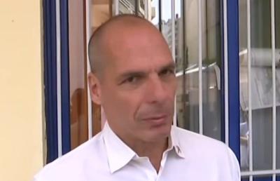 Βαρουφάκης: Γιορτή της Δημοκρατίας οι εκλογές - Η Δημοκρατία ανήκει σε αυτούς που την υπερασπίζονται ψηφίζοντας