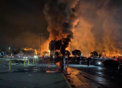 Ταραχές στη Μινεάπολη μετά τον  θάνατο του George Floyd λόγω αστυνομικής βίας