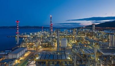 Η σύγκριση Motor Oil και ΕΛΠΕ με Royal Dutch Shell που εκπλήσσει θετικά