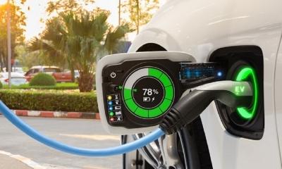 ACEA: Τα ηλεκτρικά αυτοκίνητα πουλάνε μόνο στις πλούσιες χώρες