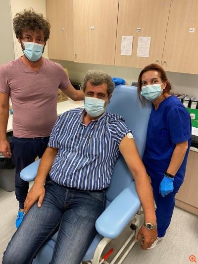 Πολάκης: Eμβολιάστηκα, αλλά δεν εκβιάστηκα - Ρίξτε χρήμα για να πετάνε λάσπη τα ΜΜΕ σας