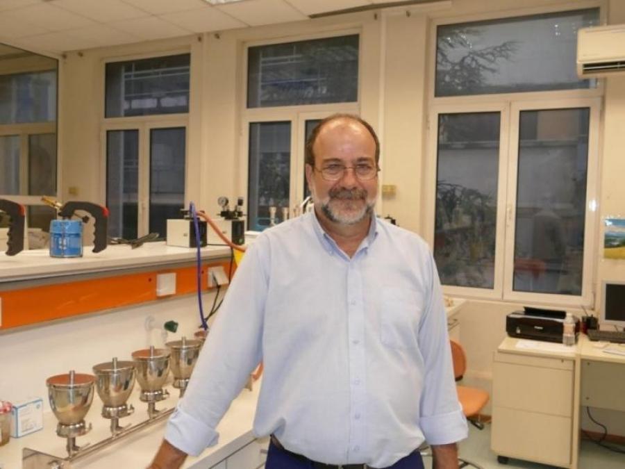 Χατζηχριστοδούλου (επιδημιολόγος):  Μέσα στον Ιούλιο η άρση των περιορισμών για τους εμβολιασμένους