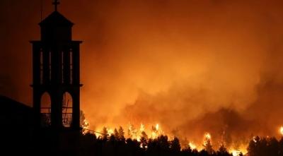 Νύχτα αγωνίας σε Εύβοια, Μεσσηνία και Ηλεία - Διάσπαρτες εστίες - Έτοιμο σχέδιο για εκκένωση όπου χρειαστεί