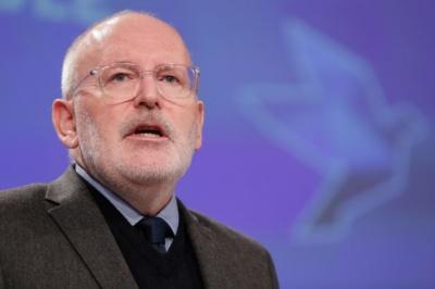 Υπέρ ενός ευρωπαϊκού κατώτατου μισθού ο Frans Timmermans