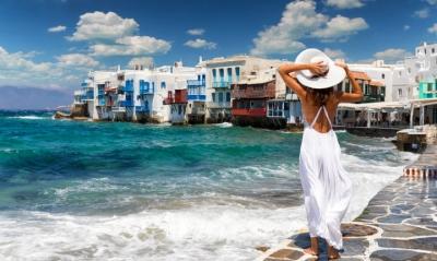 Οι πρώτες αφίξεις, οι… πολεμικές ακυρώσεις και οι αγορές που δείχνουν «άνοδο» για τον τουρισμό
