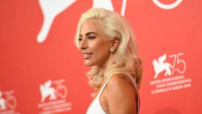 Συγκλονίζει η Lady Gaga: «Με βίασε στα 19 και με παράτησε έγκυο»