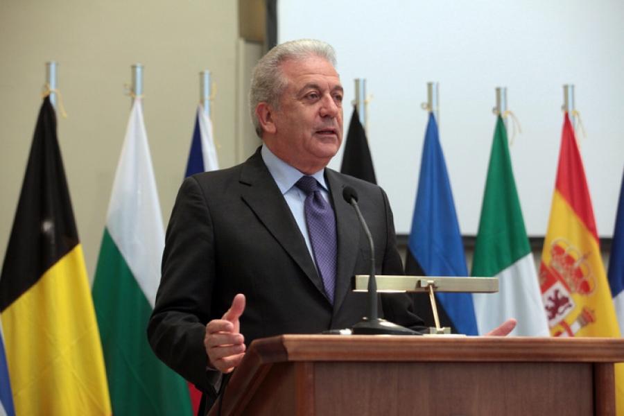 Αβραμόπουλος στην La Stampa: Αν η Ευρώπη δεν διαχειριστεί το μεταναστευτικό, οι αφίξεις θα πολλαπλασιαστούν