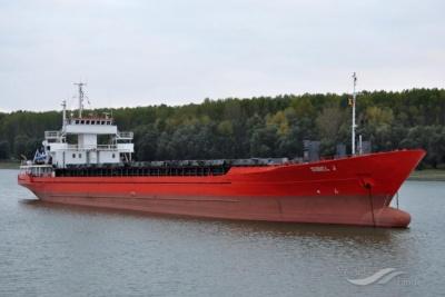 Στο λιμάνι του Ναυπλίου προσάραξε φορτηγό πλοίο που μεταφέρει λίπασμα