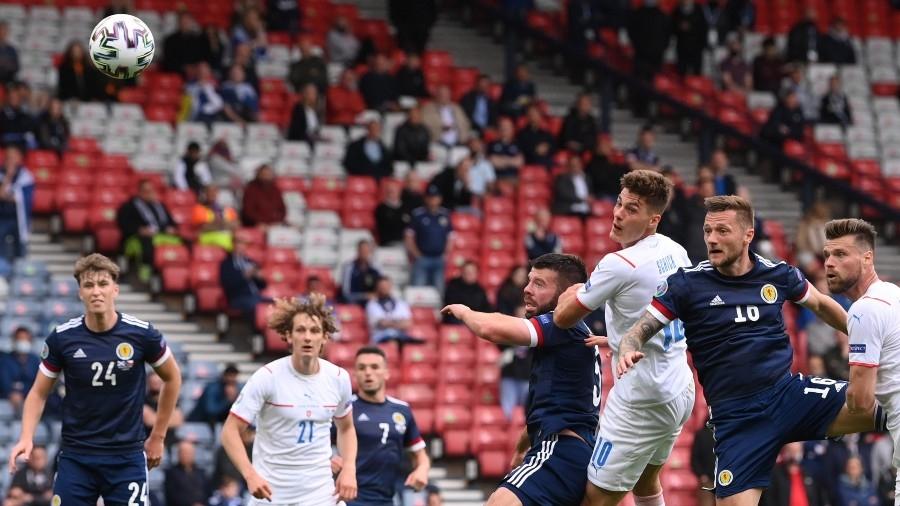 Σκωτία – Τσεχία: Κυρίαρχος στον αέρα ο Σικ για το 1-0 της Τσεχίας (video)