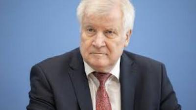 Seehofer (Γερμανία): Εντός του 2020 θα έχουμε καταλήξει για το Σύμφωνο Μετανάστευσης της ΕΕ
