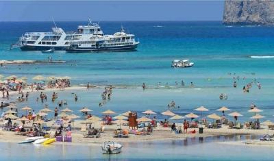 Δεν χάνει το «στοίχημα» του τουρισμού η Κρήτη, παρά την «επίσκεψη» του εγκέλαδου