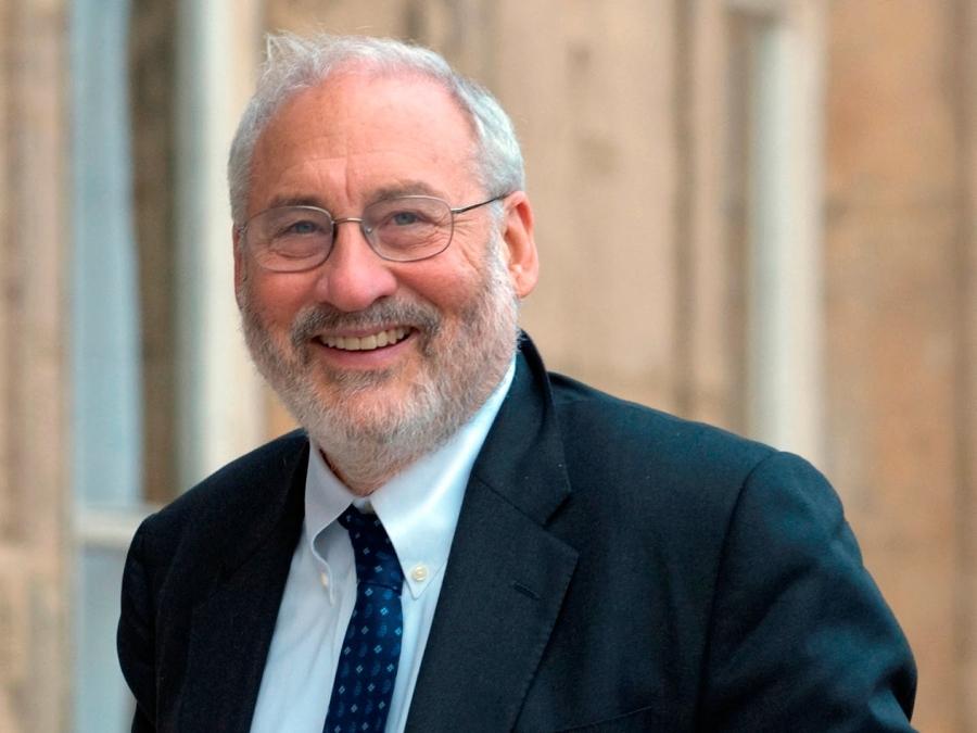 Stiglitz: Εντυπωσιακές οι πρώτες 100 ημέρες του Biden - Λαμπρό παράδειγμα ο Γιώργος Παπανδρέου