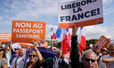 Μεγάλες συγκεντρώσεις σε όλο τον κόσμο κατά της υποχρεωτικότητας των εμβολιασμών – 140.000 διαδηλωτές στη Γαλλία