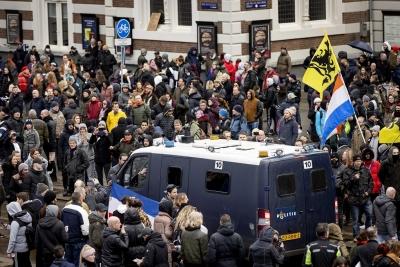 Ολλανδία: 30 συλλήψεις σε διαδηλώση κατά του lockdown στο Άμστερνταμ