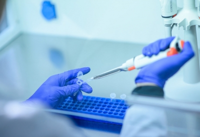 Moderna: Ξεκινούν οι δοκιμές για το πειραματικό εμβόλιο mRNA κατά του HIV
