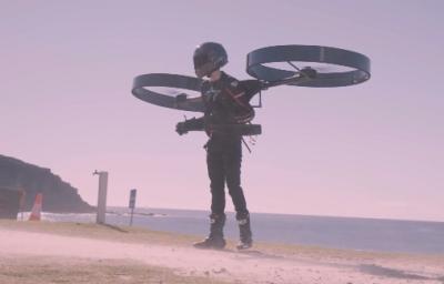 Το φουτουριστικό ελικόπτερο σε σακίδιο «CopterPack» πετάει για πρώτη φορά